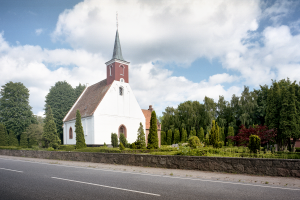 Karleby Kirche auf Falster - 6x9 Foto analog