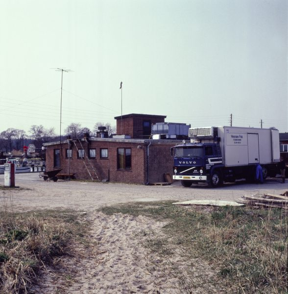 Fischfabrik in Hesnäs April 1993