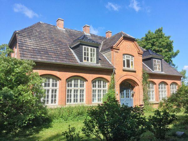 Falsterhus im Sommer