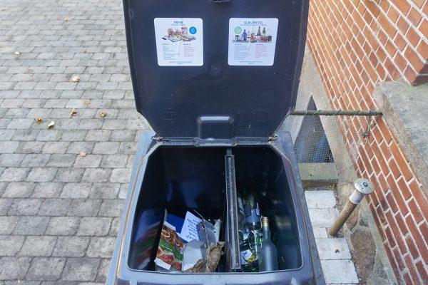 Dänische Mülltonne für Papier und Glas