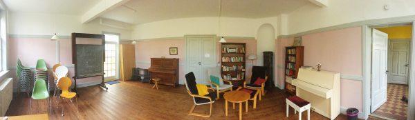 Seminarraum in Rosa - Panorama