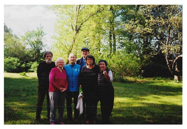 Baugruppe im Falsterhus Frühjahr 2019 im Garten