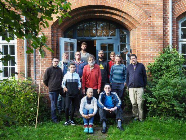 Das Team Herbstbauwoche Falsterhus 2019 (nicht von links nach rechts):  Bianka, Andrea, Christian, Stefan, Edgar, Joachim, Josh, Tobias, Gordon, Thore, Jonte, Helge