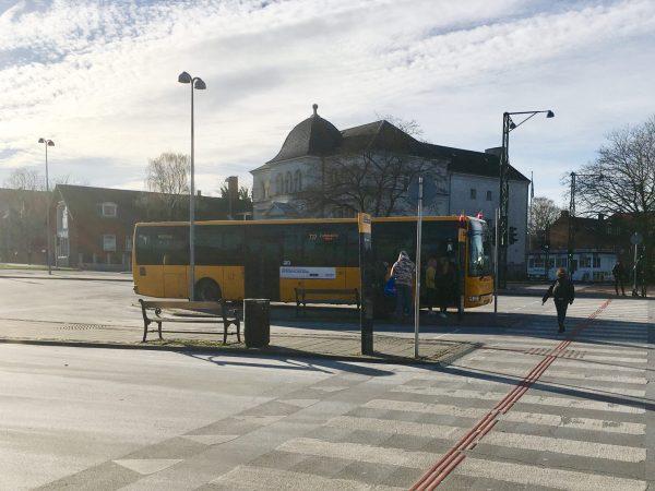 Ziel fast erreicht. Busbahnhof Nyköbing.